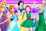 Princesses Fashion Clash Game