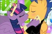 game Twilight And Flash Kissing