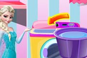 game Elsa Washing Dirty Clothes