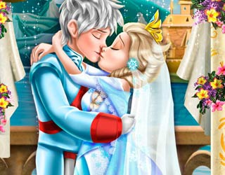Game Ice Queen Wedding Kiss