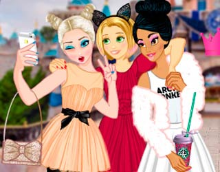Game Princesses Vs. Princes Selfie Battle